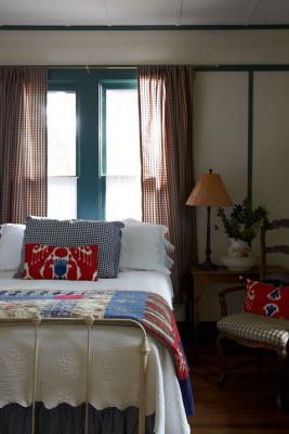 Bedroom 1 - Antique Bed