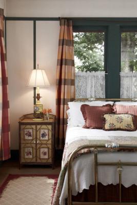 Bedroom 2 - Antique Bed