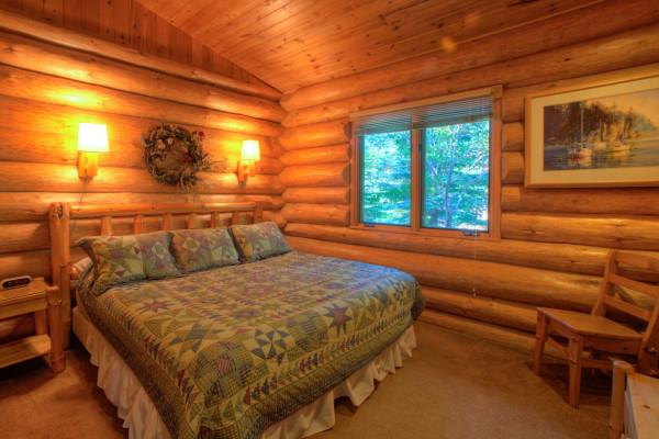 ... Log Cabin Bedroom 1