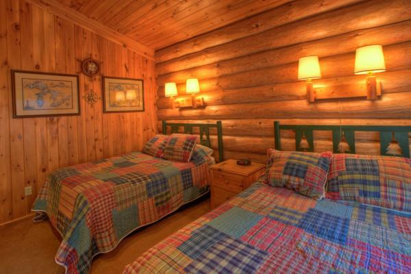... Log Cabin Bedroom 2