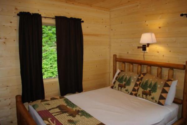 Cabin 4 Bedroom - two queen bedrooms