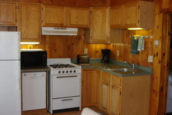 2 bedroom cabin - fully stocked kitchen