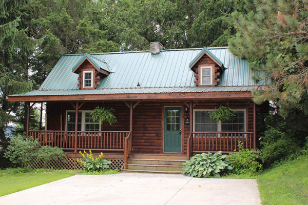 Amish country ohio cabin rentals getaways all cabins for Evergreen cottage