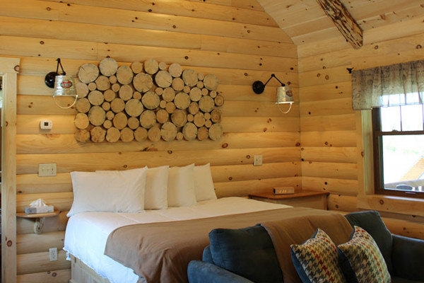 Dogwood Log Cabin - King Bed