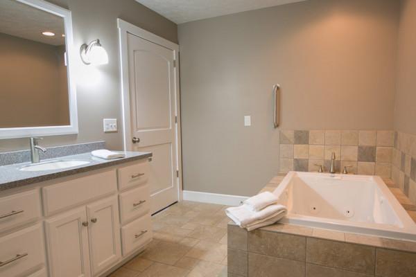 Briarwood Cabin - Full Bathroom