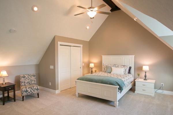 Briarwood Cabin - Queen Bedroom