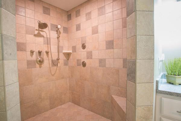 Briarwood Cabin - Stone Shower
