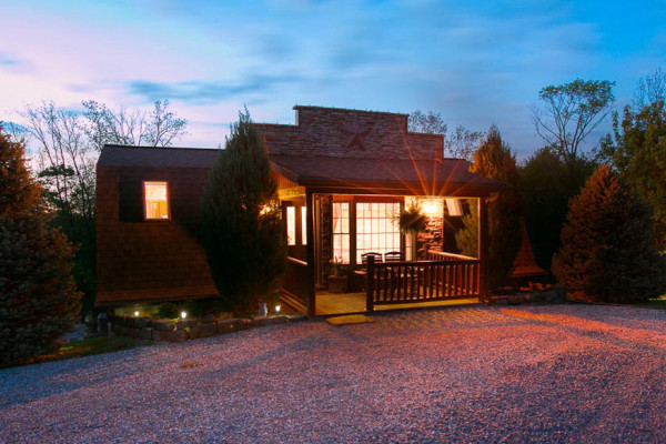 Book twilight cabin amish country ohio all cabins for Cabine millersburg ohio paese amish
