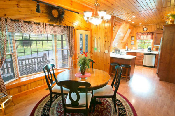 Twilight Cabin - Kitchen
