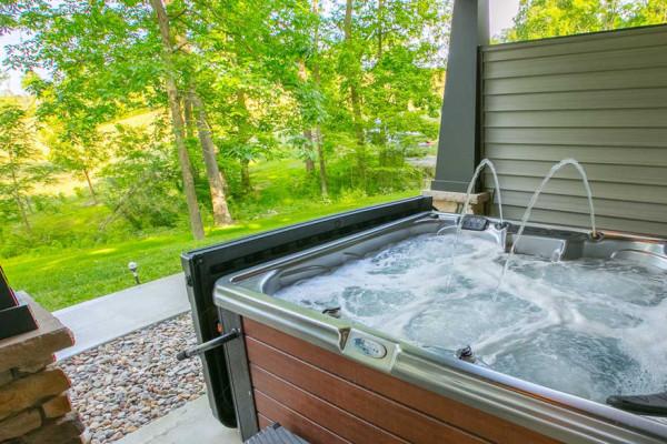 Hemlock Cabin - Hot Tub