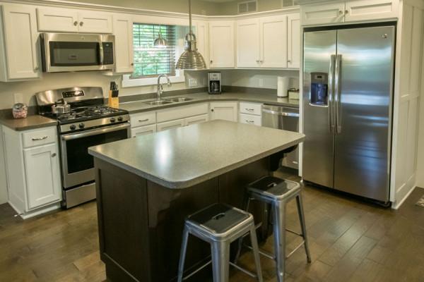 Hemlock Cabin - Kitchen