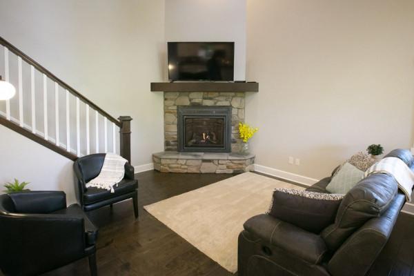 Hemlock Cabin - Living Room