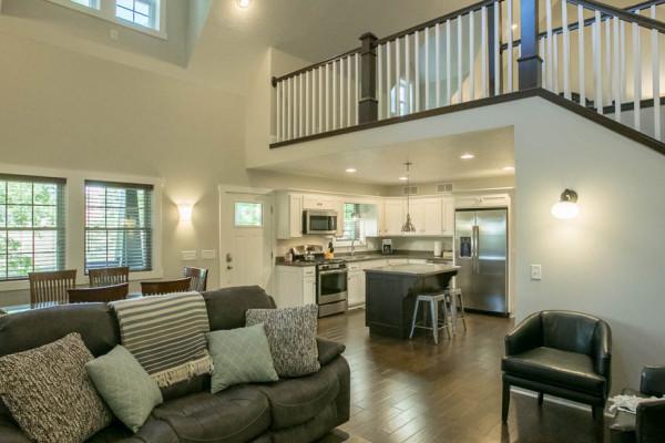 Hemlock Cabin - Living Room and Kitchen