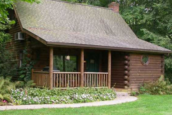 Apple Blossom Cabin