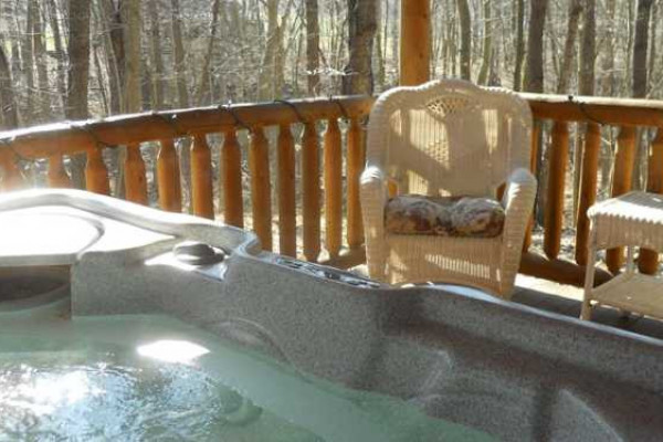 Apple Blossom Cabin - Hot Tub
