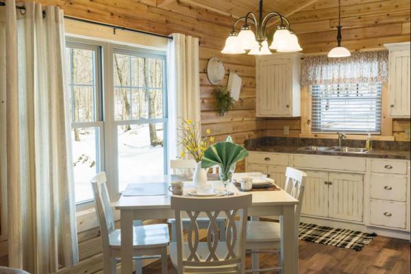 Lazy Days Cabin Kitchen