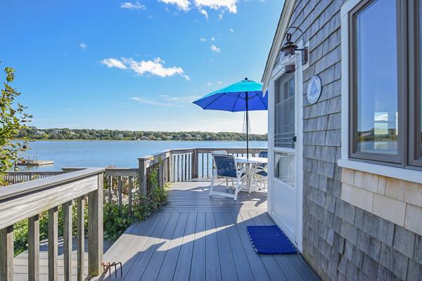 Top Sail Cottage Deck