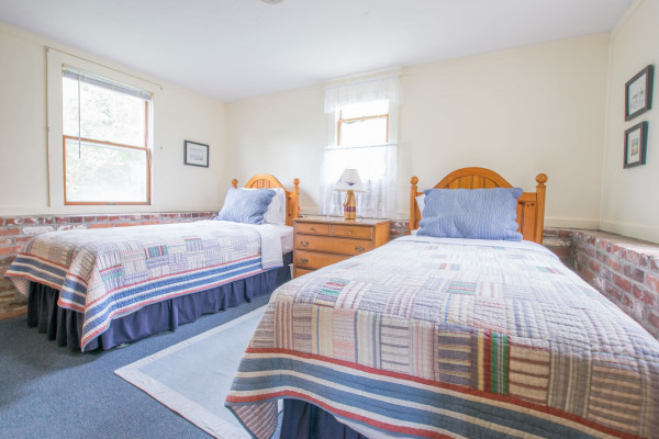Top Sail Cottage Twin Bedroom