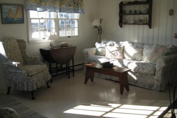 Chatham Seaside Cottages Living Room