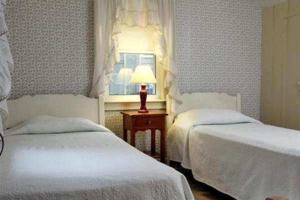 Ocean Front East Twin Bedroom