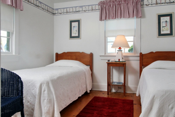 23 Chase Ave Cottage Twin Bedroom