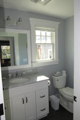 Helena Rubenstein Cottage  Bathroom