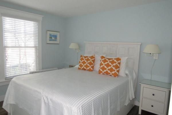 Helena Rubenstein Cottage  Bedroom 2