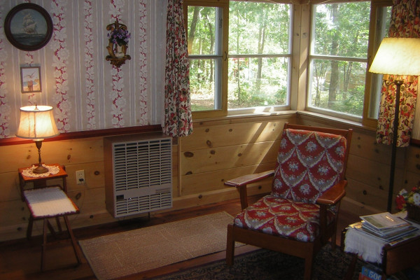 Pleasant Forest Shores Cottages Sitting Area