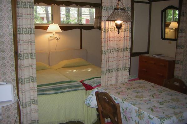 Pleasant Forest Shores Cottages Twin Beds