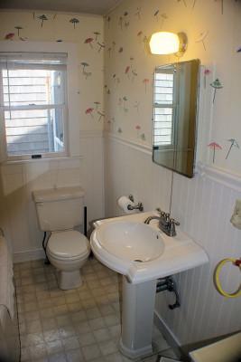 Carpe Diem Cottage Bathroom 2