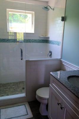 Carpe Diem Cottage Full Bathroom