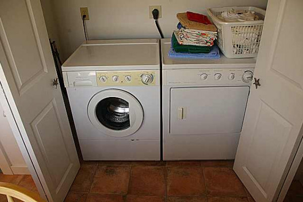 Carpe Diem Cottage Laundry Closet