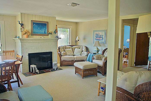 Carpe Diem Cottage Living Room