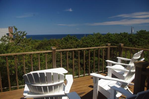Carpe Diem Cottage Ocean Views from Upper Deck