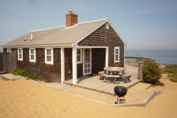 Book wellfleet 2 cape cod massachusetts all cabins for Cabin by the sea