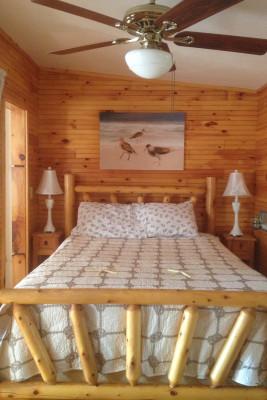 Cabin 12 Queen Bed