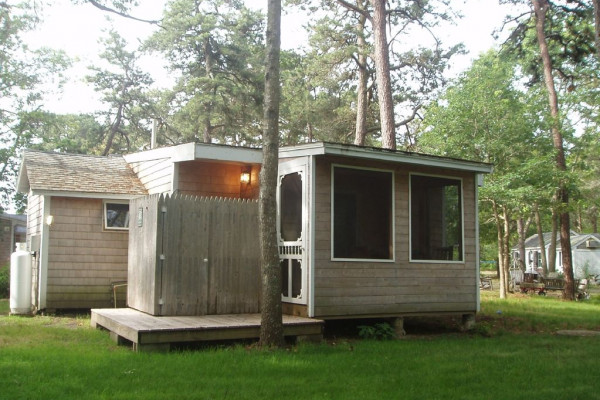Cabin 12 with Outdoor Shower