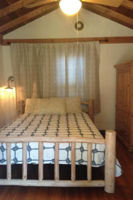 Cabin 4 Queen Bed