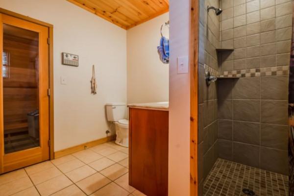Elation Cabin - Bathroom 2