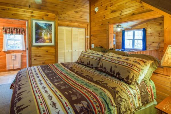 Bear's Den Bedroom