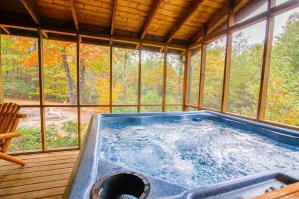 Bear's Den  Hot Tub