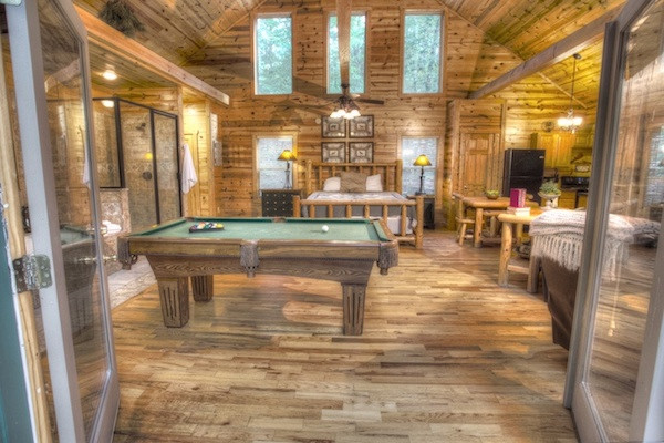 Escape - Living Room with Pool Table