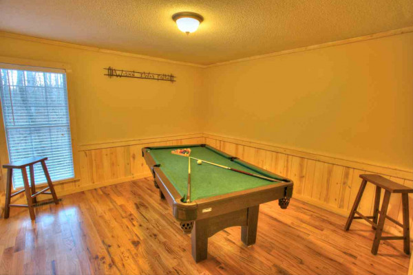 Moose Hollow - Pool Table
