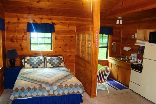 Cabin 8 Bed + Kitchenette