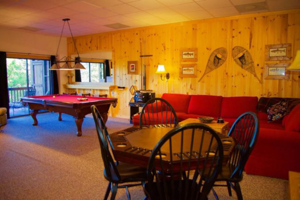 Purpleaire - Living Room