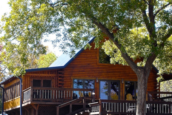 Book river bend lodge 1 turner falls oklahoma all cabins for Falls lake cabin rentals