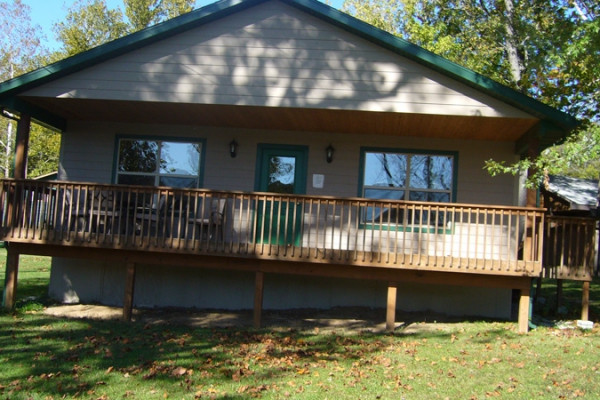 Book red bud cabin branson missouri all cabins for Lake cabins for rent in massachusetts