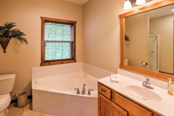 Bathroom - Main 1