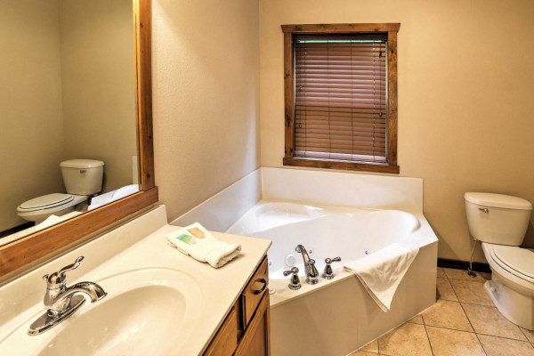 Bathroom - Main 2