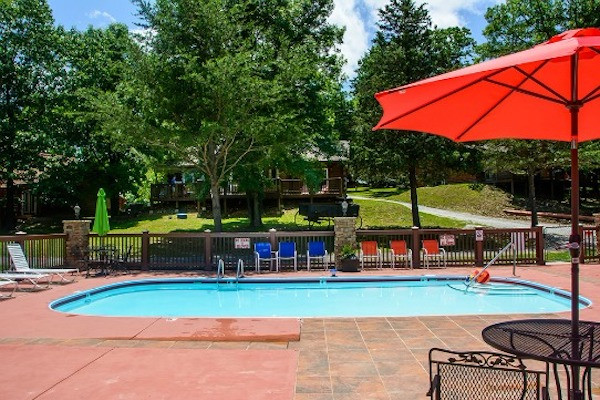 Cedar Cove Resort pool